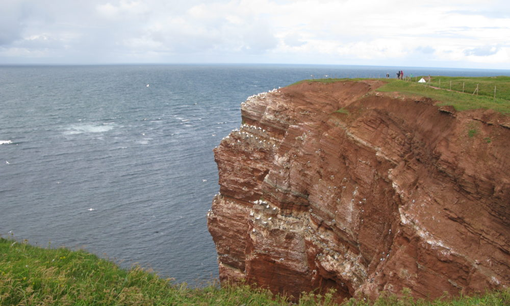 The wind howls. The rain splashes. We take an extra day at Helgoland
