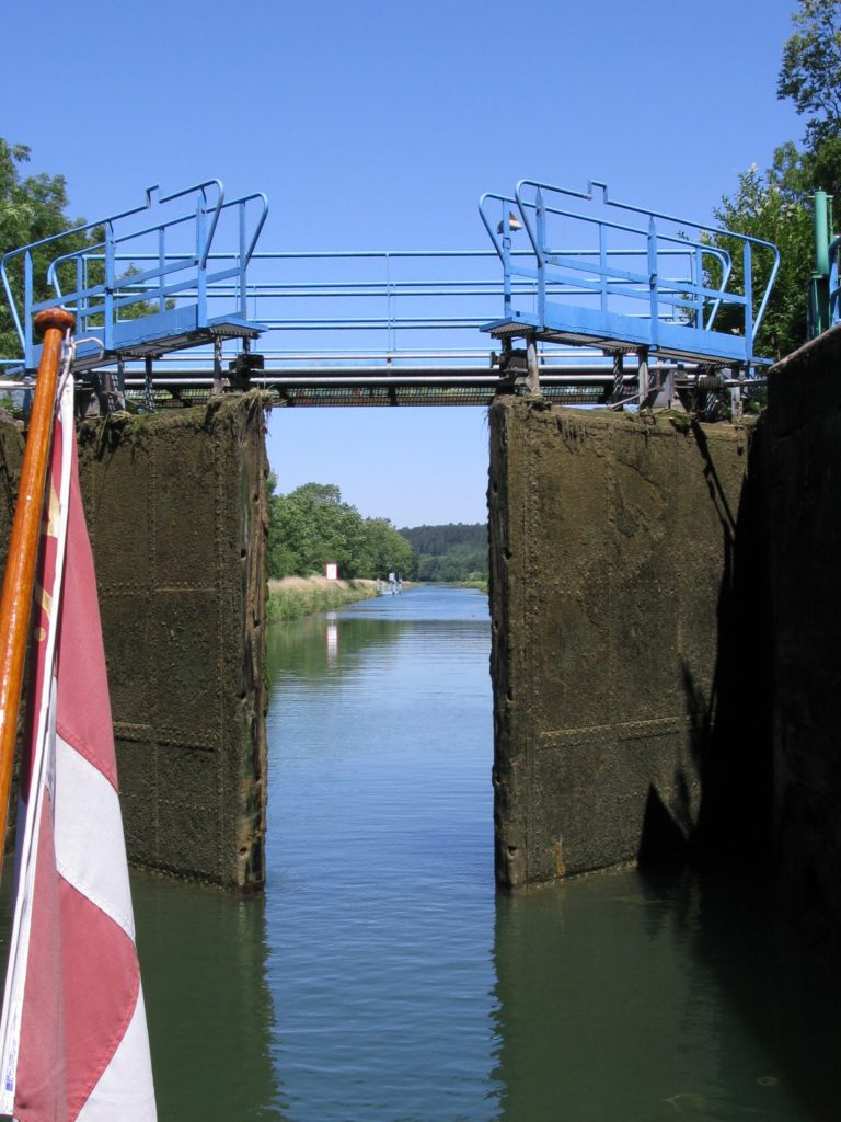 Lock engineering River Marne