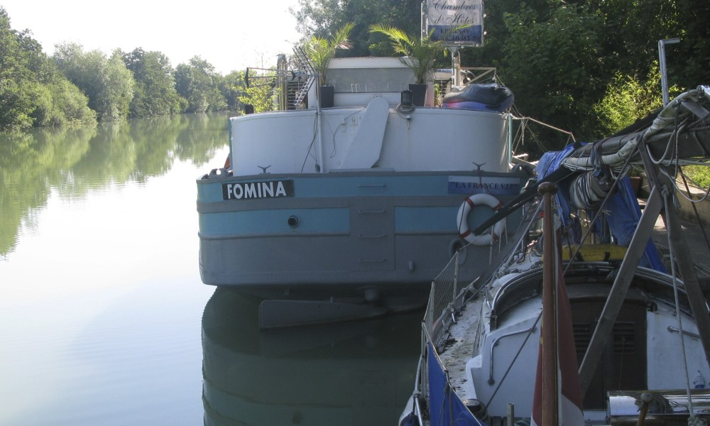 We prepare Ronja on a new summer on the French canals and rivers