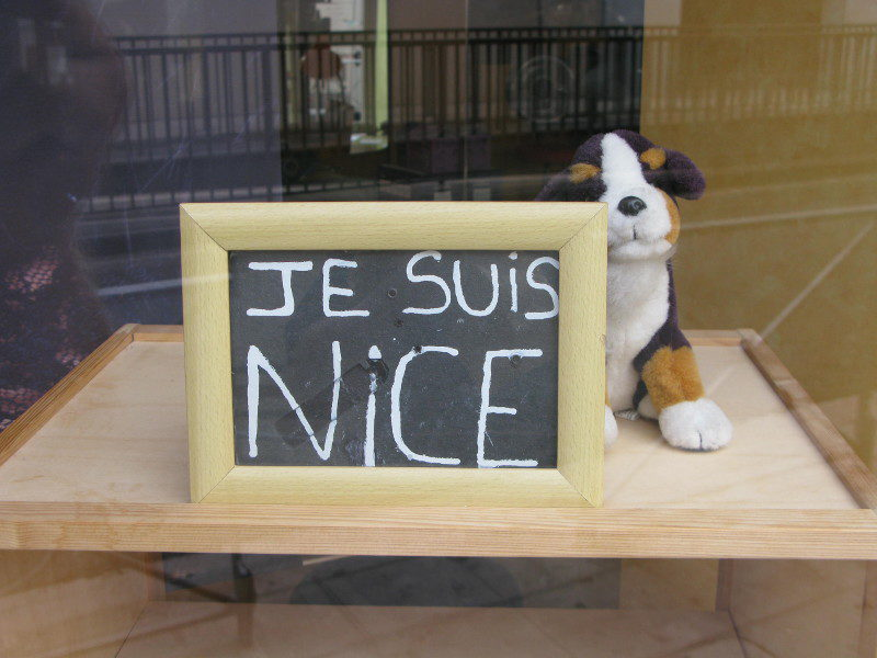 "In the shadow of terror: Nice is fascinating – ""Je suis Nice"""
